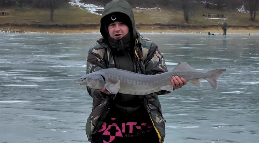 Rybársky Denník Jakuba Fabiana  6 – Lov na dierkach