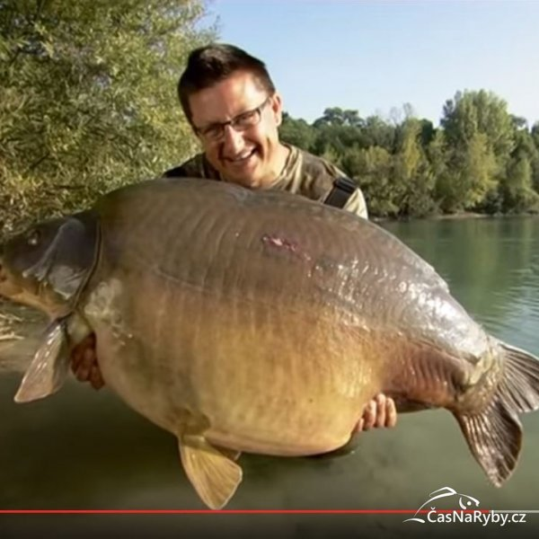 Video: Danny Fairbrass a jeho nádherný lysec o váze 32 kg