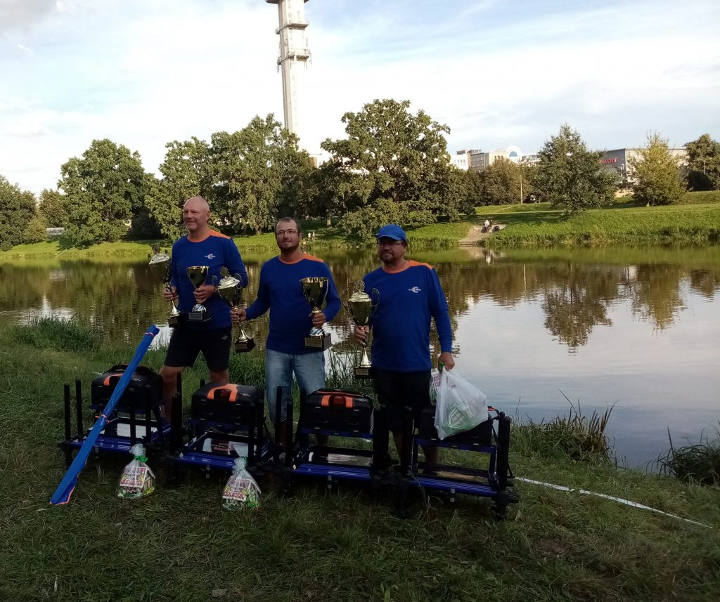 Colmic feeder cup 2020 řeka Labe Pardubice