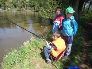 PRO RODIČE: Rybáři z Kladrub otevírají nový rybářský kroužek pro děti. Je zdarma!