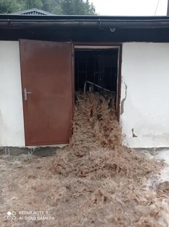 Přívalové deště a zvýšené hladiny vodních toků působily škody i na rybářském majetku