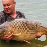 VIDEO: Rybář na české vodě chytil gigantického kapra o váze přes 30 kilo! Fantastická ryba!
