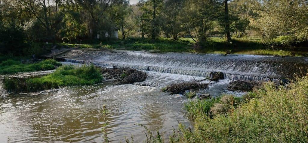 Gigantická vodní elektrárna na oblíbené řece? V korytě měl vzniknou4 metry vysoký jez