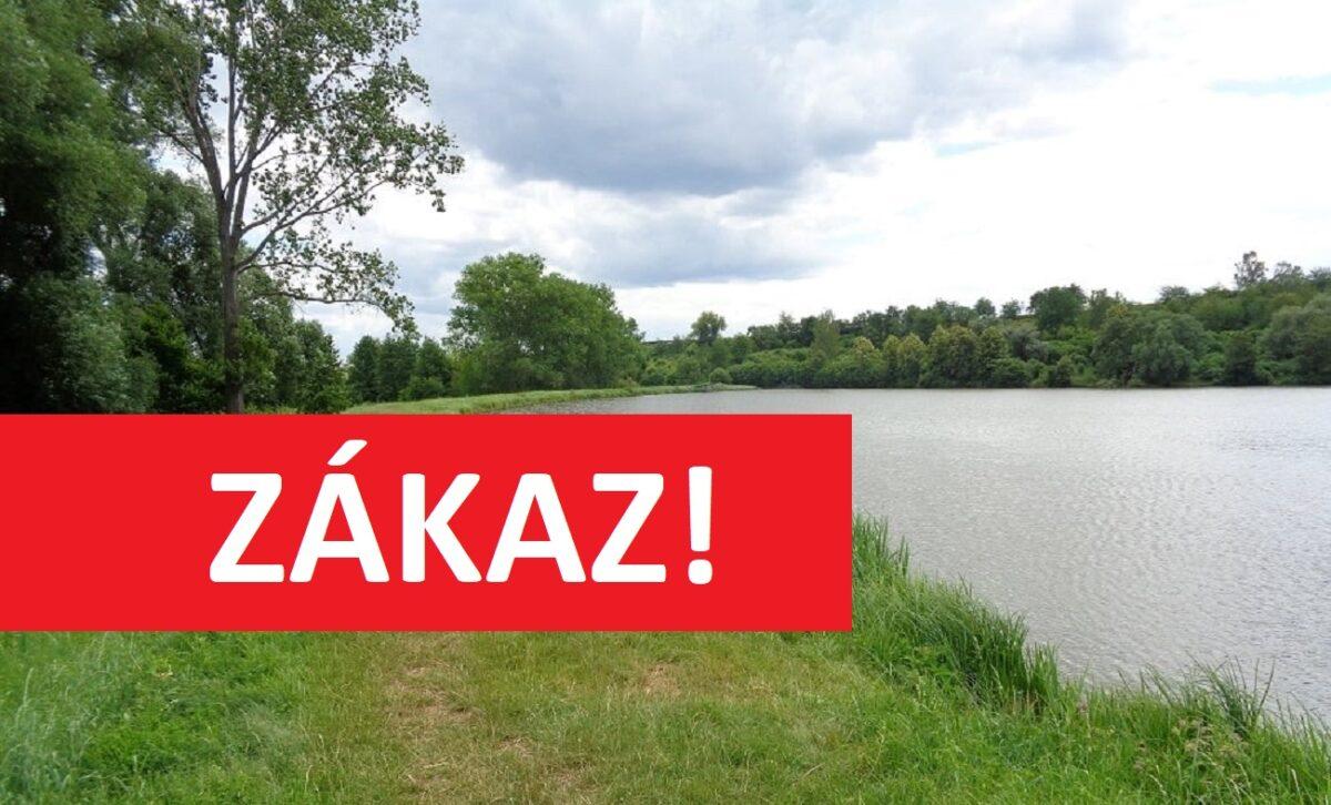 Rybáři budou bez oblíbeného revíru! Proč se bude nádrž na severu Čech vypouštět?