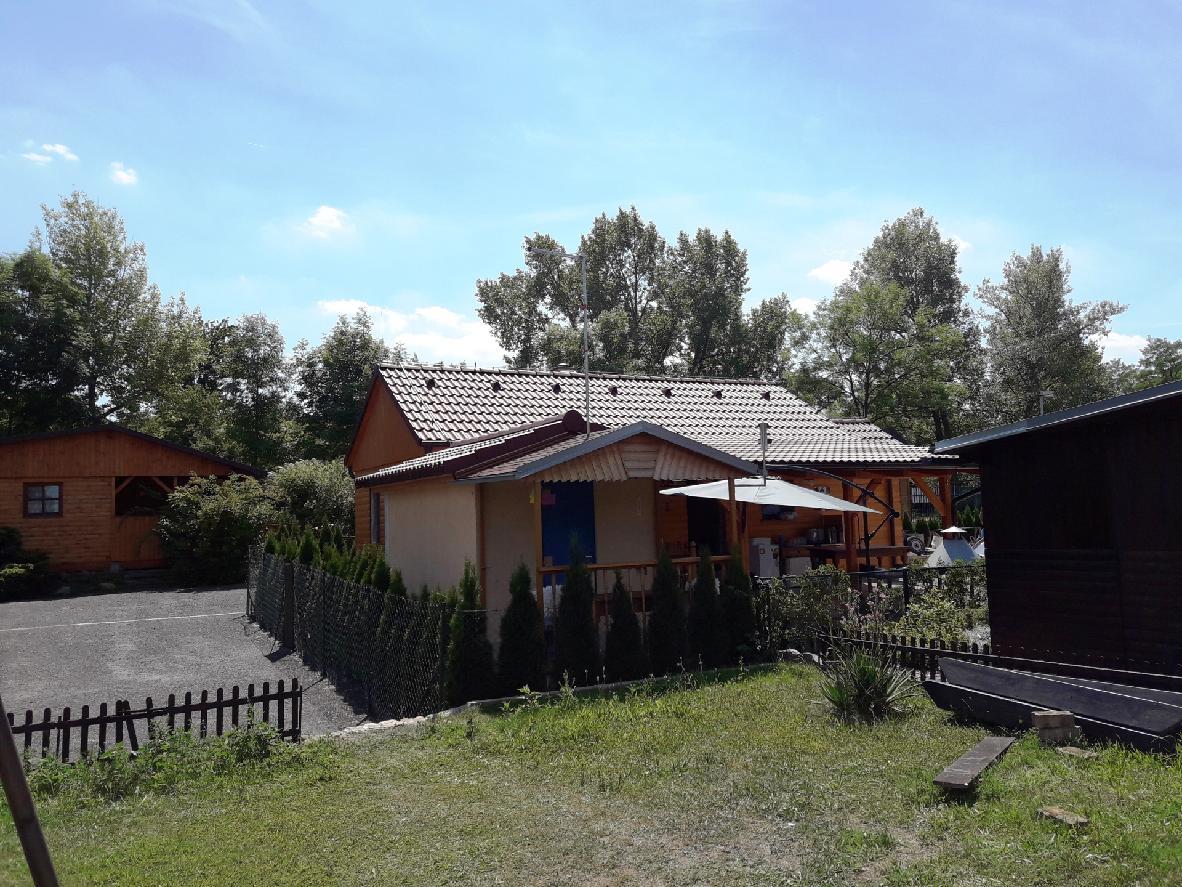 Chata u Nechranické přehrady