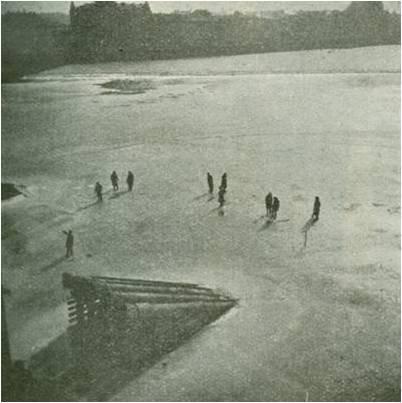 Na vltavských dírkách aneb O historii lovu ryb pod ledem