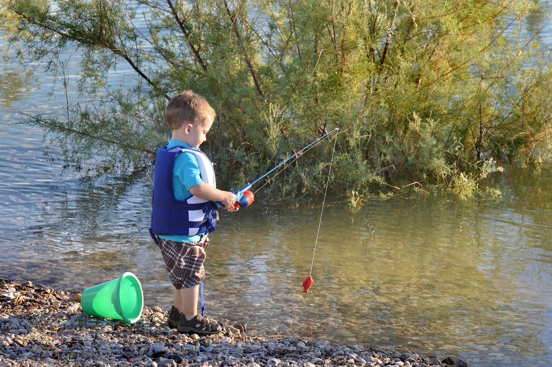 Děti mohou opět navštěvovat rybářské kroužky! Jihočeský ÚS vydal doporučení o jejich obnově