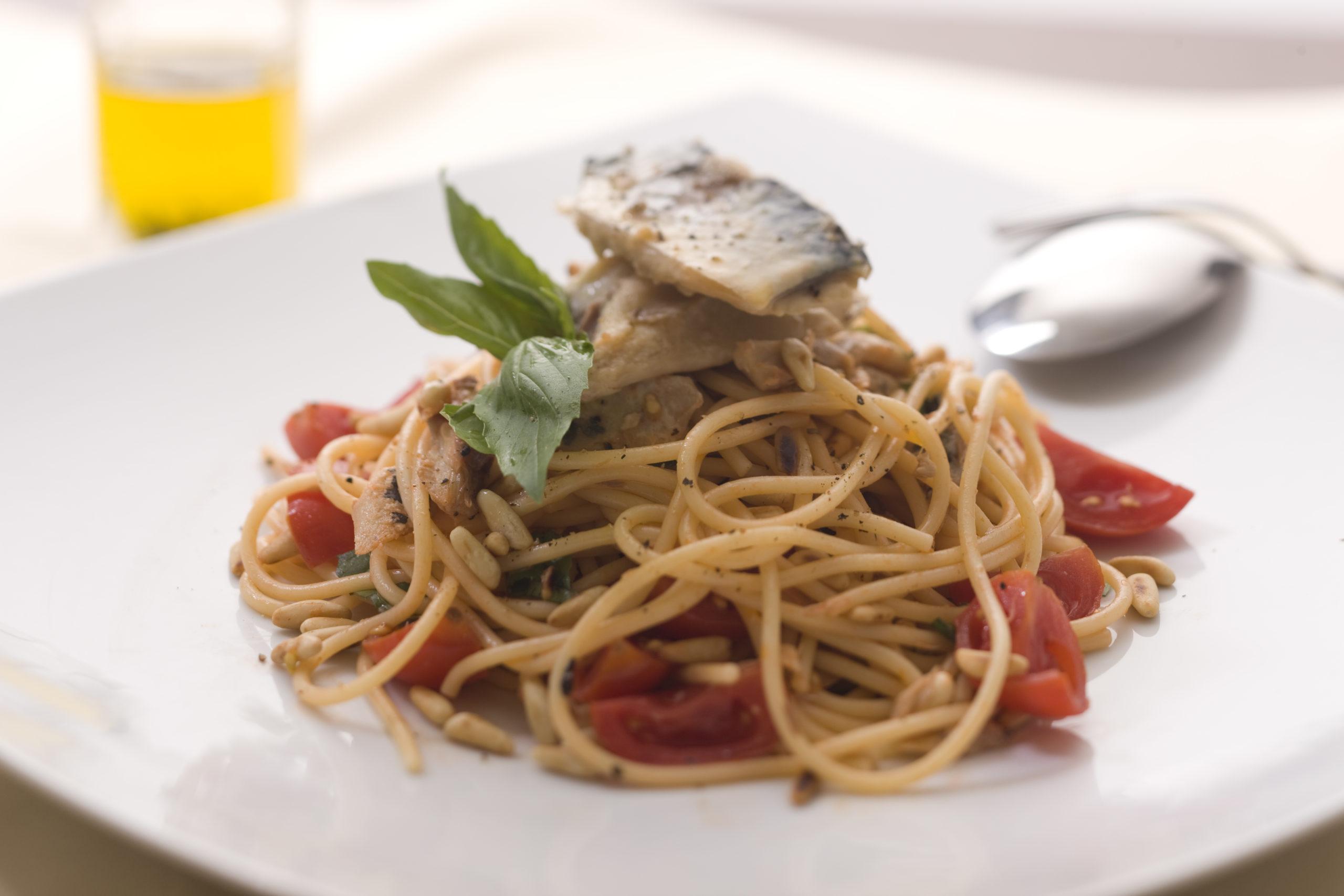 Makrela se špagetami