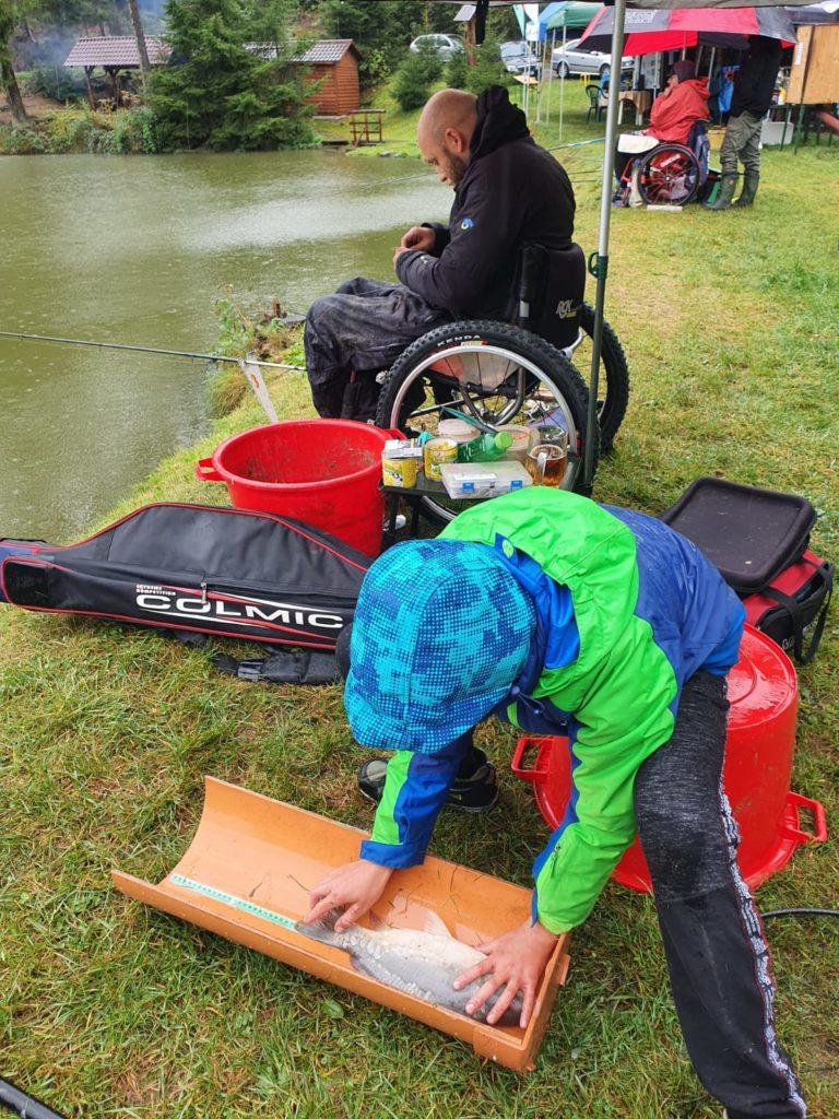 Déšť a zima! Jak dopadly poslední závody handicapovaných rybářů?