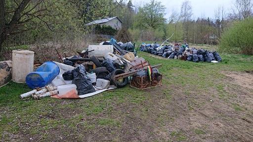 Rybáři i nerybáři odnesli z břehů Orlické přehrady 4 tuny odpadků