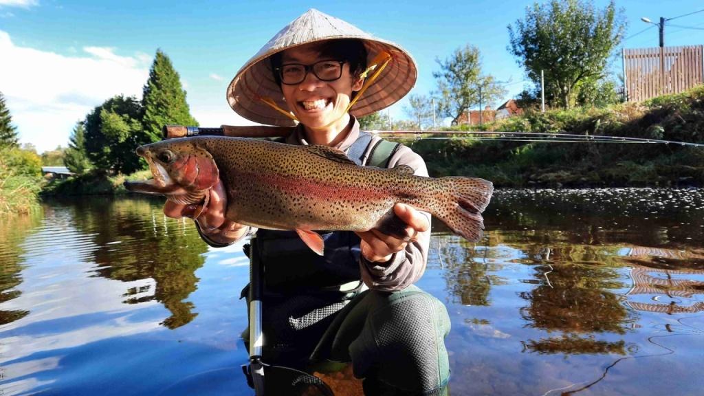 Šonova hodina rybářské vietnamštiny: Cá hồi vân [ka-hoi-van] = pstruh duhový
