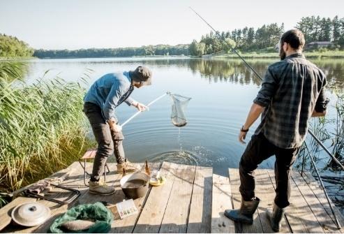 Pro protřelé rybáře i úplné začátečníky: Jak se vybavit na blížící se rybářskou sezonu?