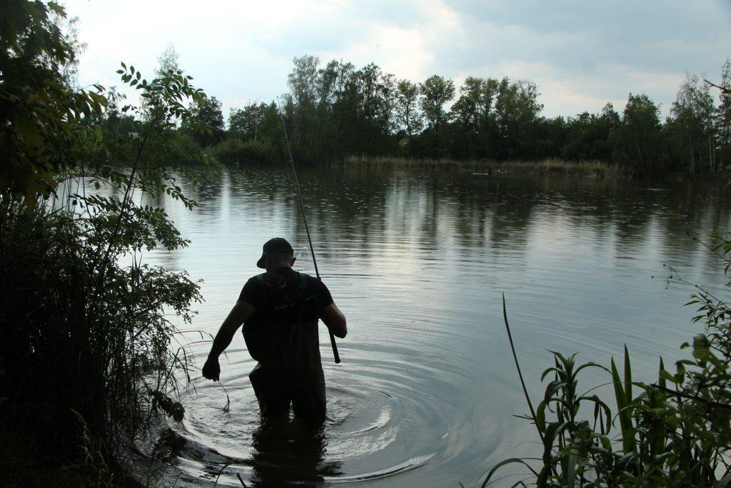 Další změna pro rybáře! Rybolov je možný pouze v obci a jen do 21 hodin