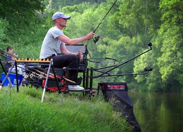 Ministerstvo zemědělství žádá: Rybáři a myslivci, omezte teď raději lov a rybolov!