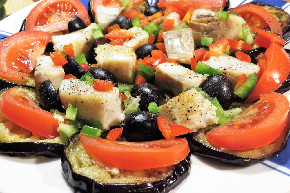 Řecký rybí salát s lilkem