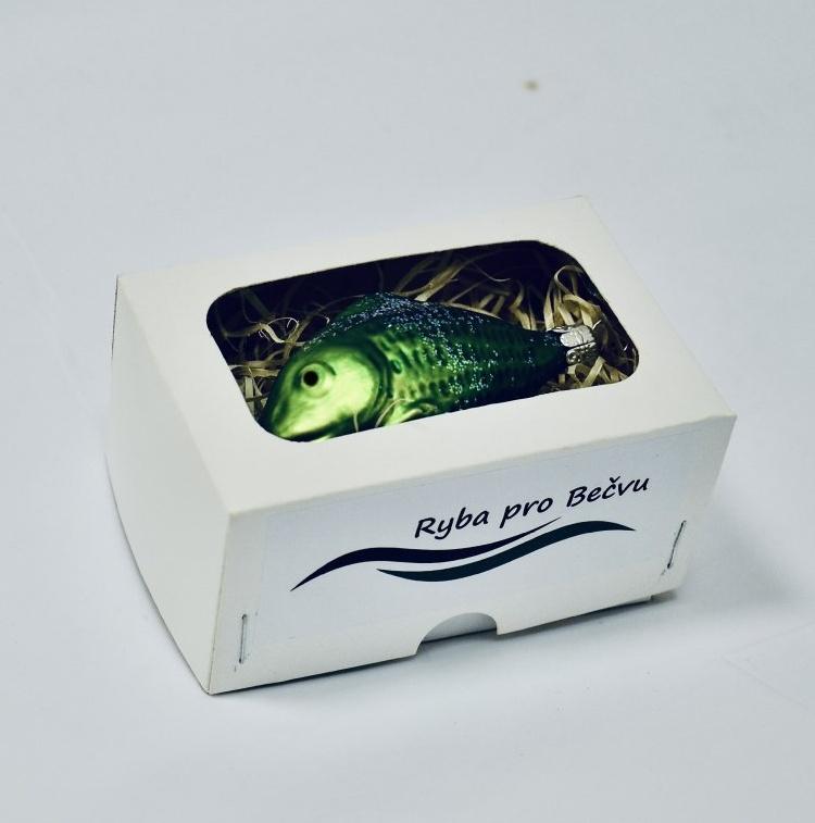 Vánoční ozdoby ve tvaru ryby. Vsetínská radnice pomáhá při obnově života v Bečvě