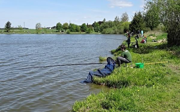 Rybářské závody - disciplína, lov na plavanou