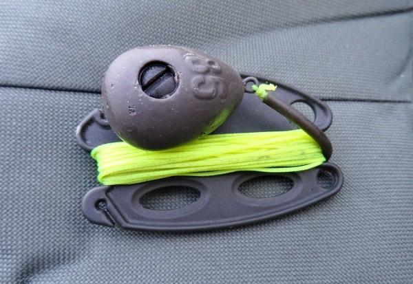 Přední olovo s klipsem a provázkem pro potopení vlasce