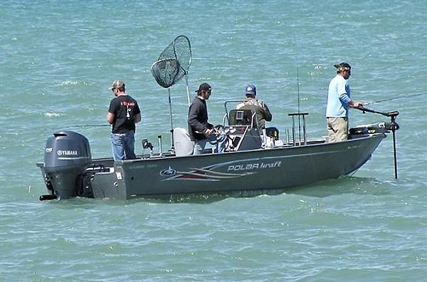 Chytání ryb z lodě - přívlač