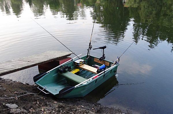 Plavaná - chytání z lodi