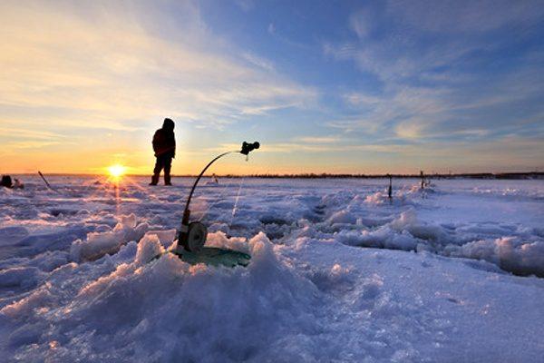 Lov pod ledem - na dírkách - nastražené pruty