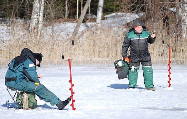 Lov na dírkách – rybáři na ledu v akci