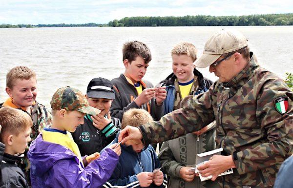 Velcí pomáhají malým - projekt pro podporu dětských rybářských kroužků
