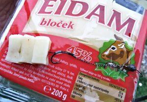 syr-eidam-hacek-blocek2