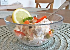 rybi-salat-z-vyvarene-kostry-sumce1